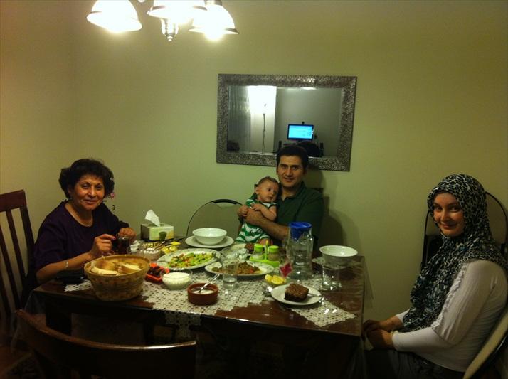 iditoronto_familyiftardinners_2012_003