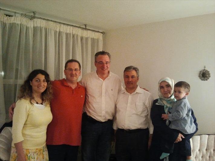 iditoronto_familyiftardinners_2012_010