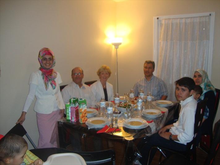 iditoronto_familyiftardinners_2012_011