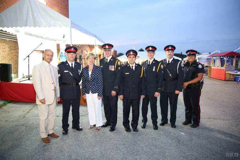 iftar-dinner-with-toronto-police007-jpg