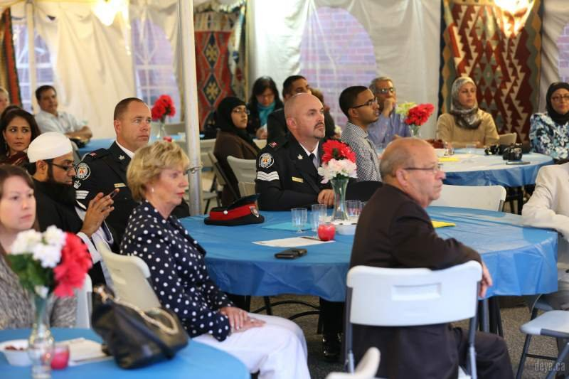 iftar-dinner-with-toronto-police014-jpg