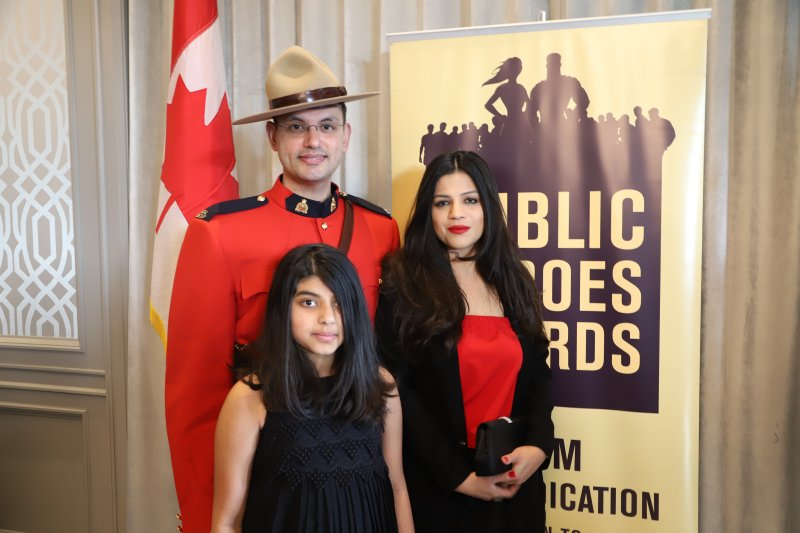 Public Heroes Awards Ceremony 2018-an initiative byy Intercultural Dialogue Institute (56)